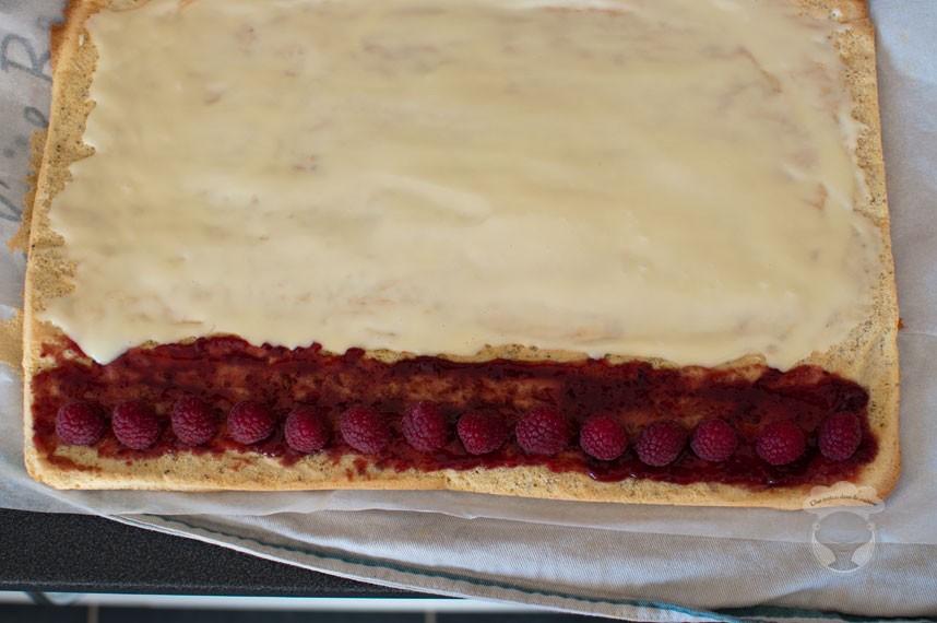 buche de noël framboises, chocolat blanc et pistaches